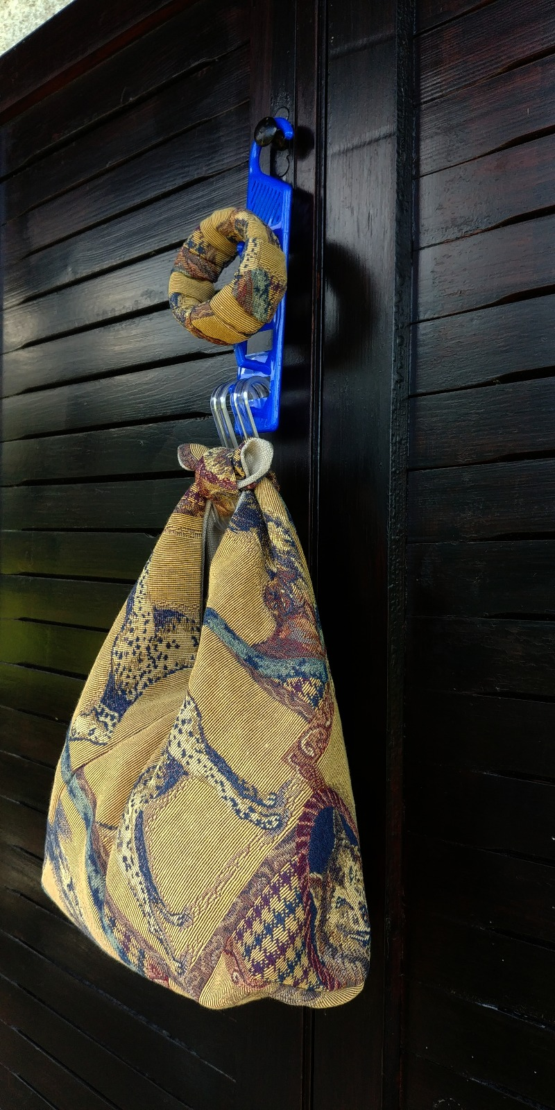 bag-purse-whith-matching-bracelet