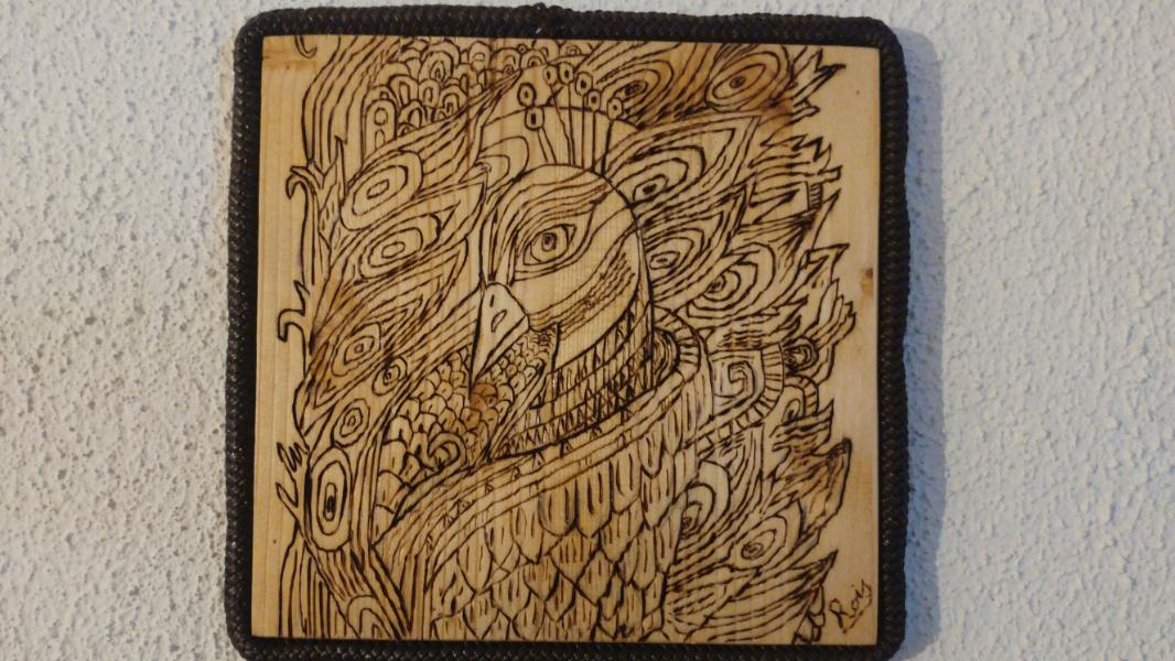 pavone-pirografato